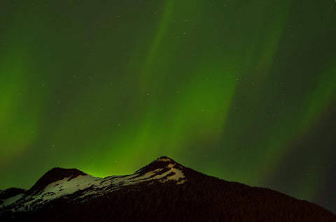 NORTHERN LIGHTS OVER DEER MOUNTAIN
