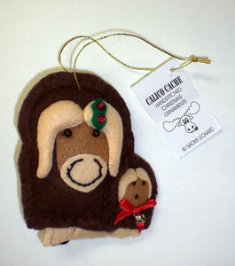 MUSK OX WITH BABY ORNAMENT