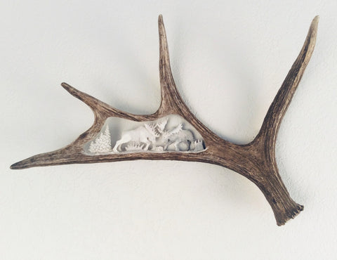 FIGHTING MOOSE HANGING ANTLER CARVING