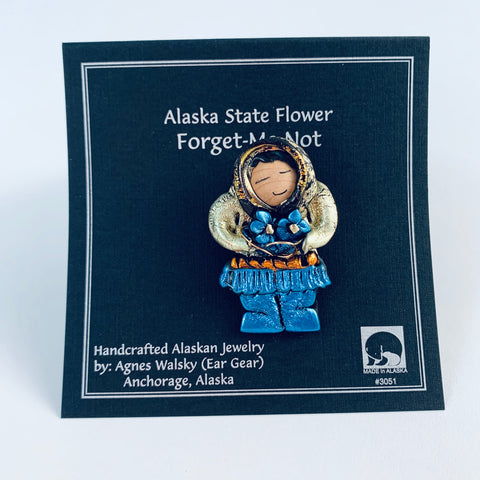 GOLD PARKA AND BLUE BOOTS ESKIMO FLOWER PICKING PIN