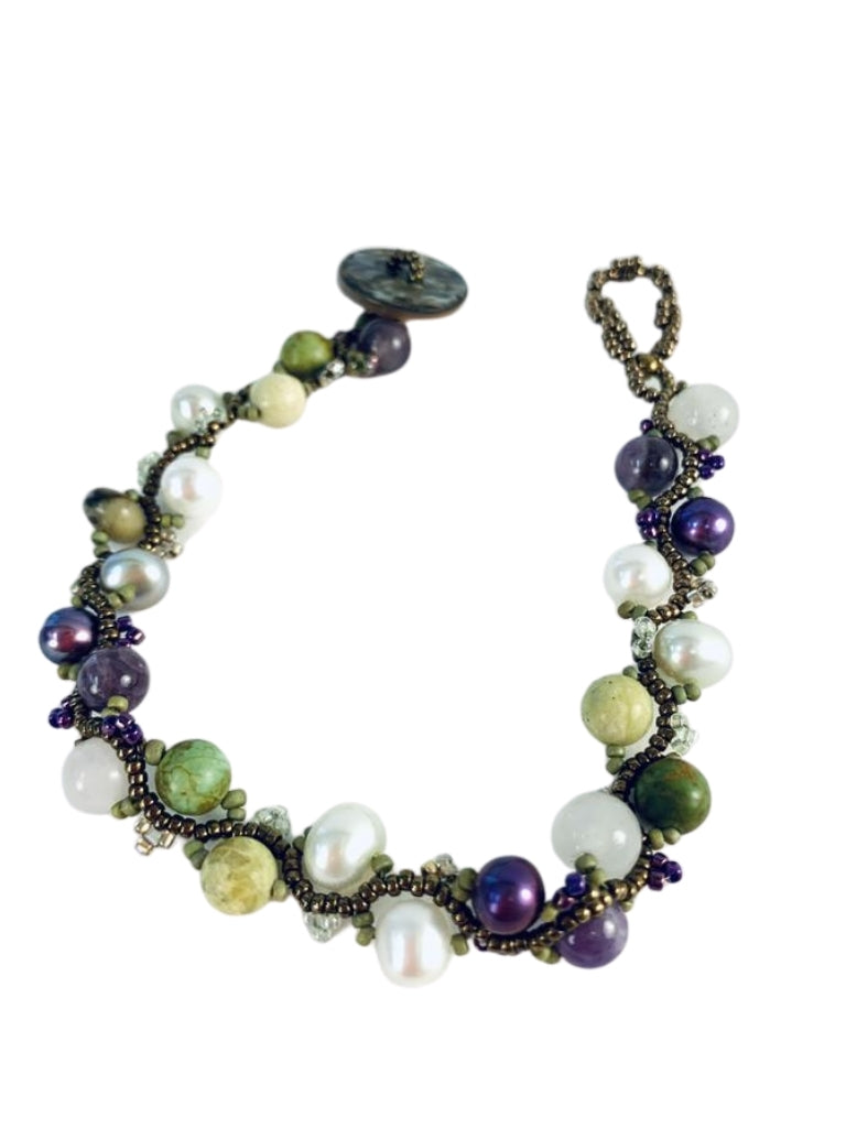 PEARLS, AMETHYST, GASPEITE, AND SHELL BRACELET