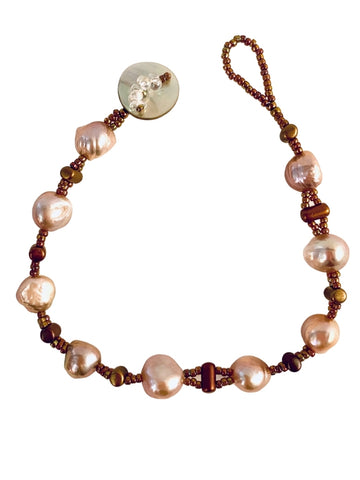 MAUVE PEARL AND GOLD BEAD BRACELET