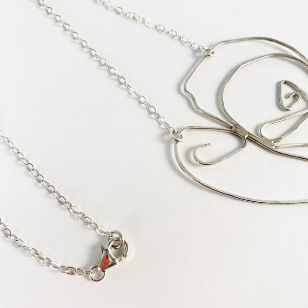 HEART IN STERLING WIRE NECKLACE