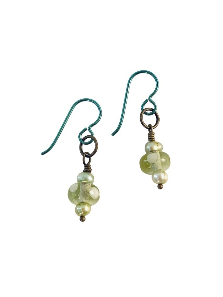 LIME GREEN GLASS AND PEARL EARRINGS