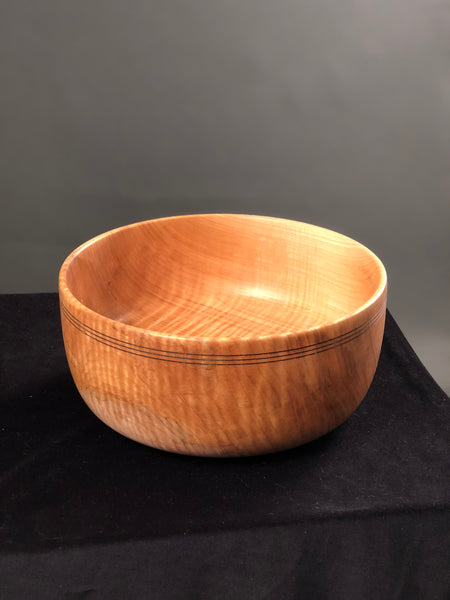 FIGURED MAPLE BOWL