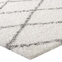 TORYN DIAMOND LATTICE AREA RUG