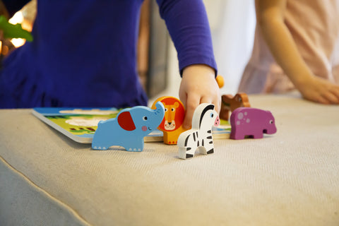 "Cute Wild Animals Chunky Wooden Puzzle w/ ""Easy-Hold"" Colorful Solid Wood Pieces of African Safari Animals"