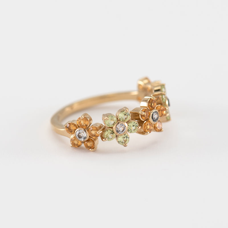 Cassia Peridot gold ring left view