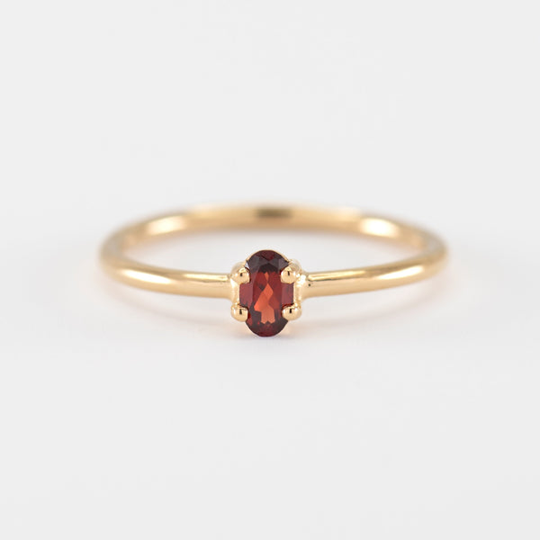 Red garnet gold ring Samantha front view