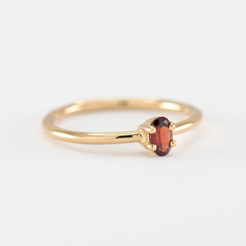 Red Garnet gold ring Samantha side view