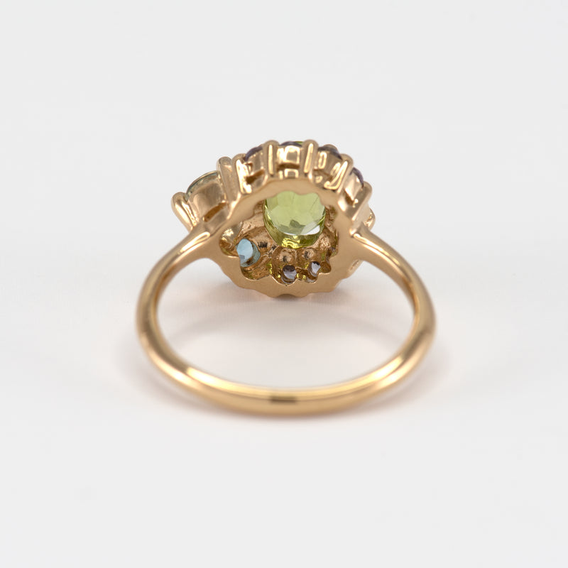 Marjorie peridot gold ring back view