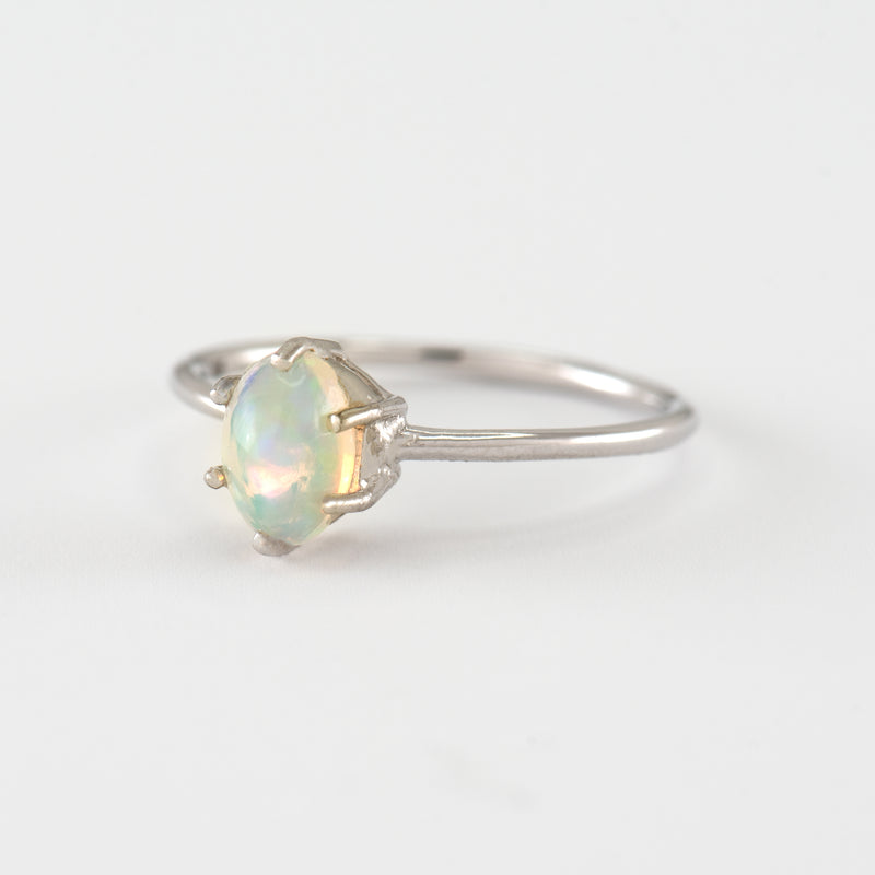 Opal White Gold ring Estelle side view