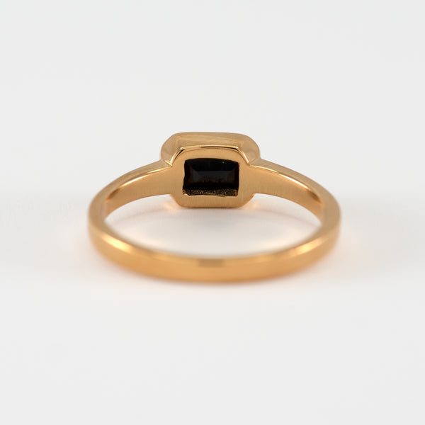 Onyx gold ring Adira back view