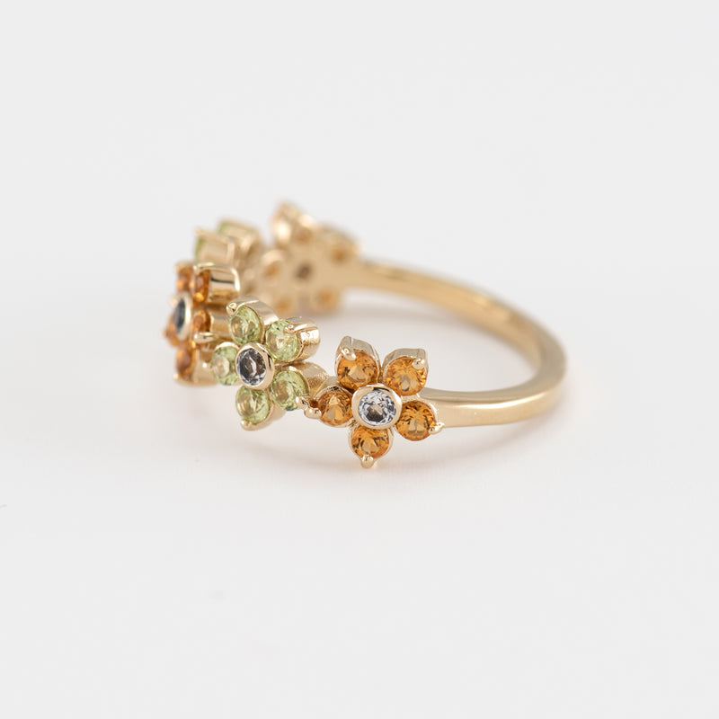 Cassia Peridot gold ring right view