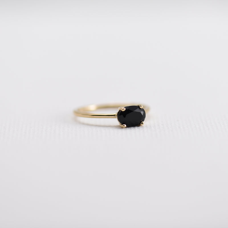 Black Onyx on gold band Josephine
