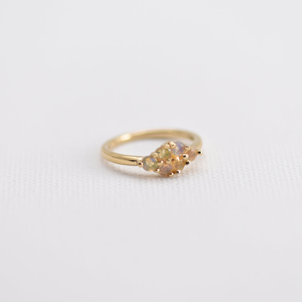 Opal clusters on Gold band Nadine