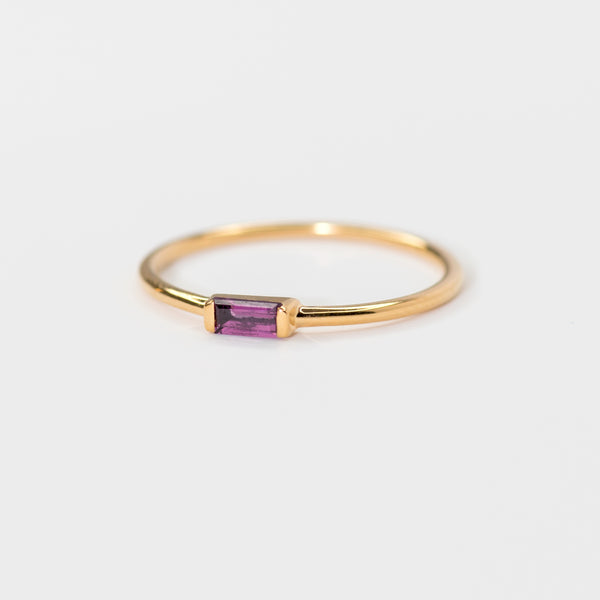 Rhodolite on Gold band Déja