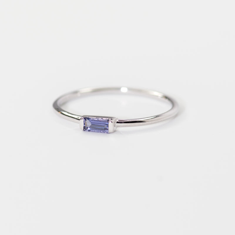 Iolite on white gold ring