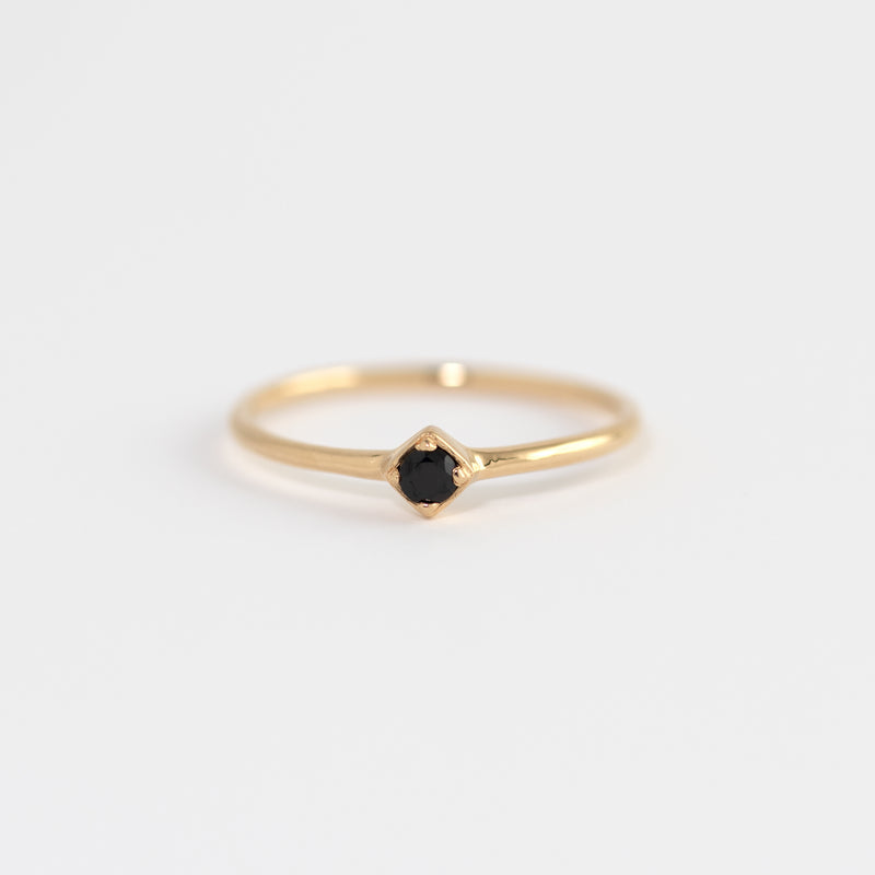 Laura yellow Gold Onyx Band