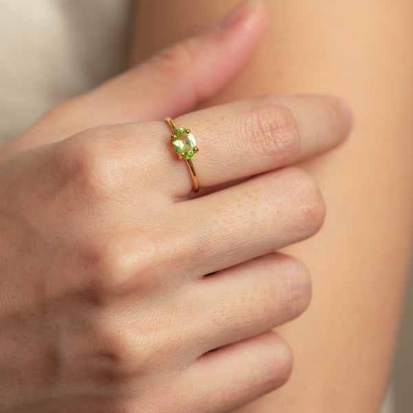 Payton Peridot worn on hand model