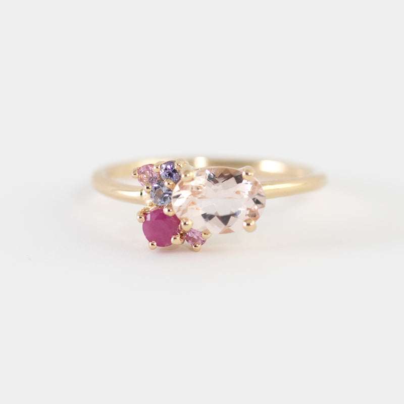Lola Morganite yellow gold ring