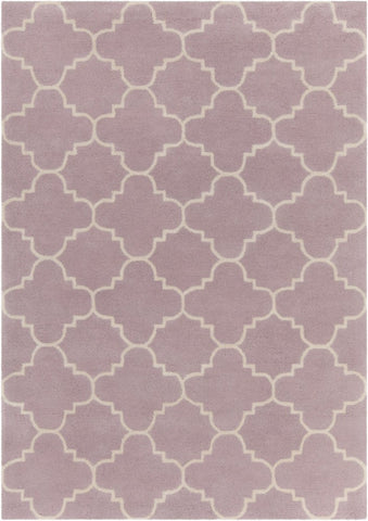 Quatrefoil Rug in Mauve and Ivory