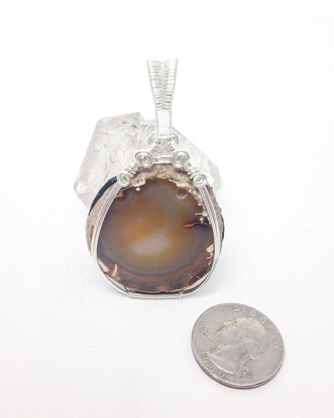 Z9 LED Natural amber agate sterling silver pendant