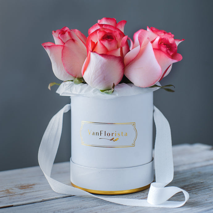 Flower delivery in Vancouver petite rose bouquet - VanFlorista