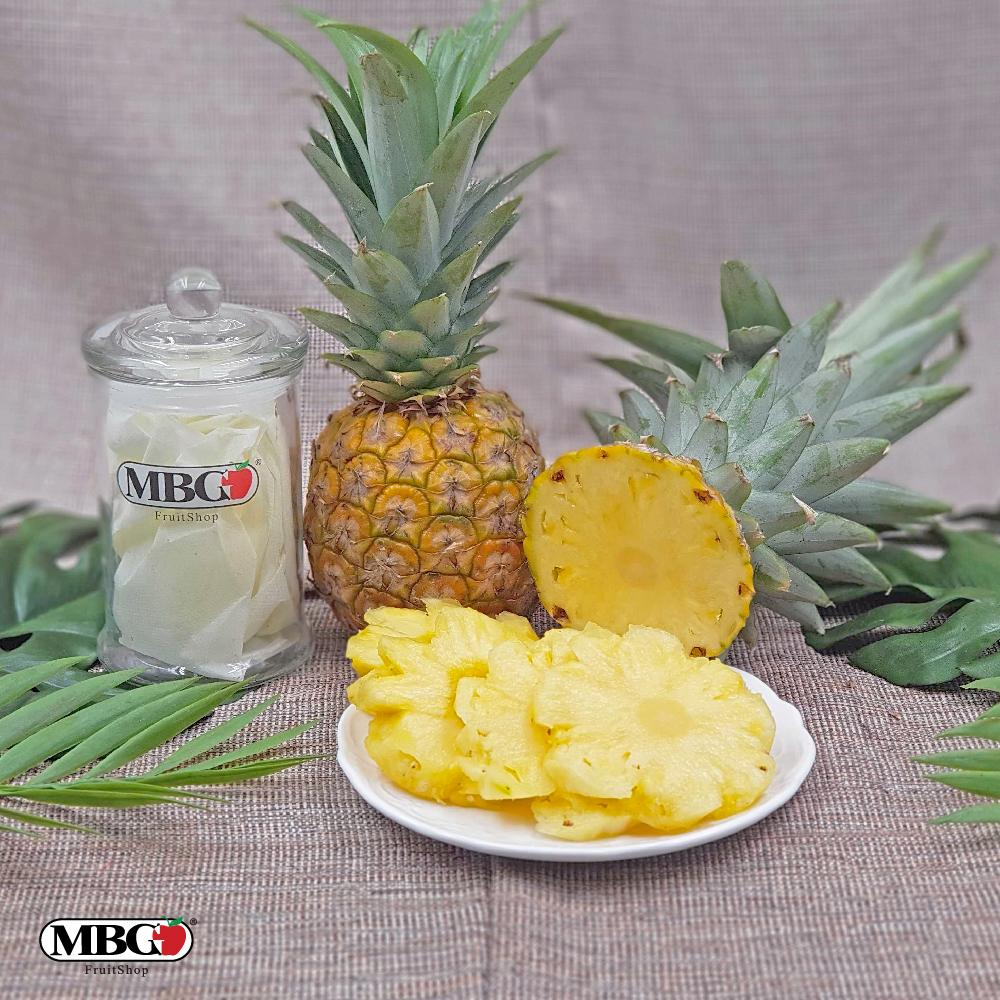 Malaysia Baby Pineapple MD2 [0.6KG+-]-Berries-MBG Fruit Shop