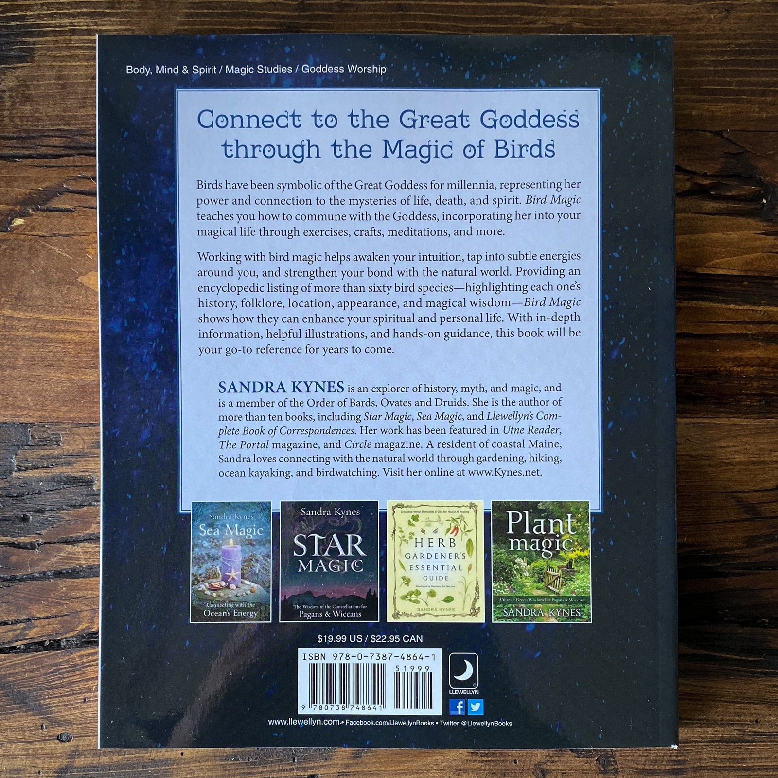 Bird Magic - Wisdom of the Ancient Goddess for Pagans & Wiccans