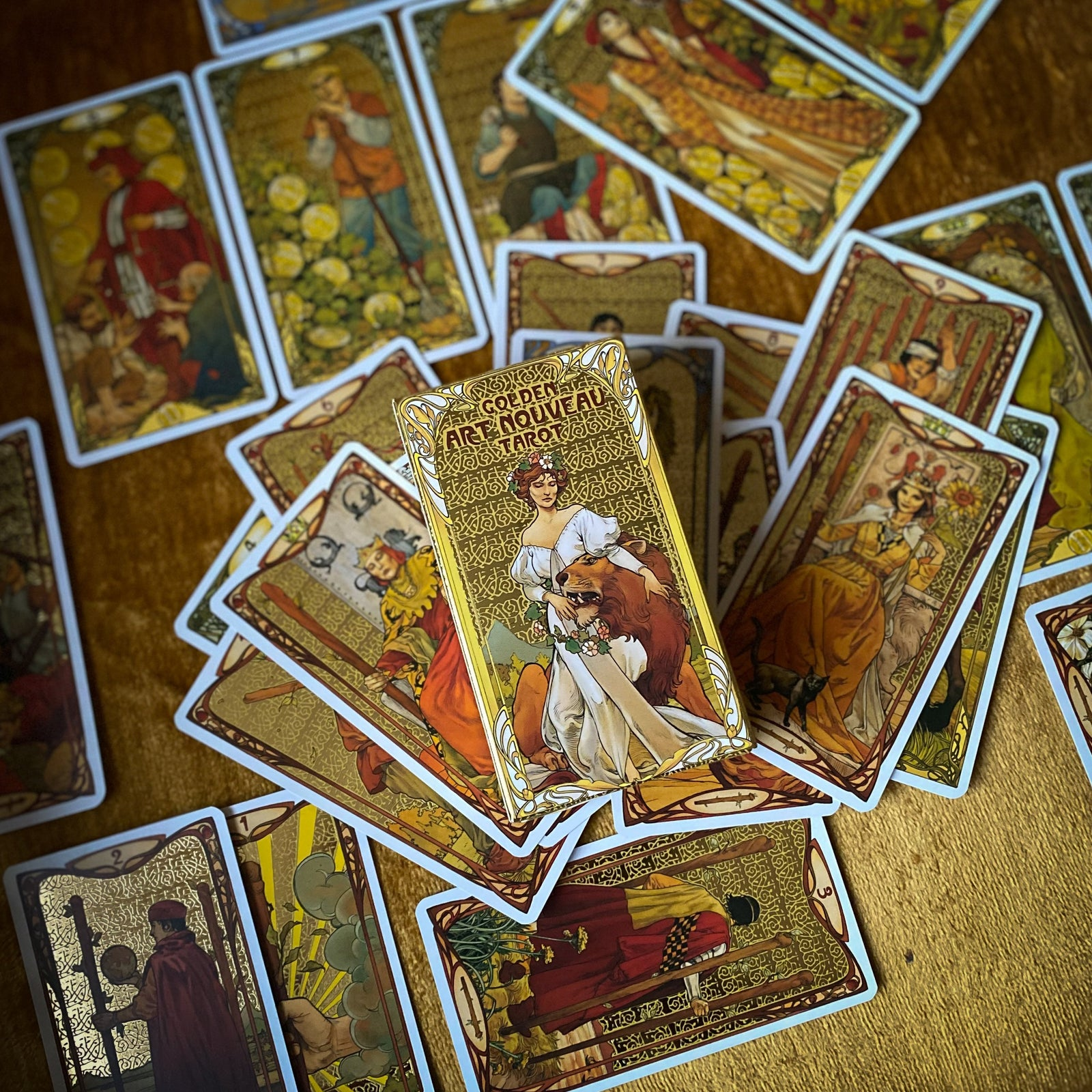 The Golden Art Nouveau Tarot - Limited
