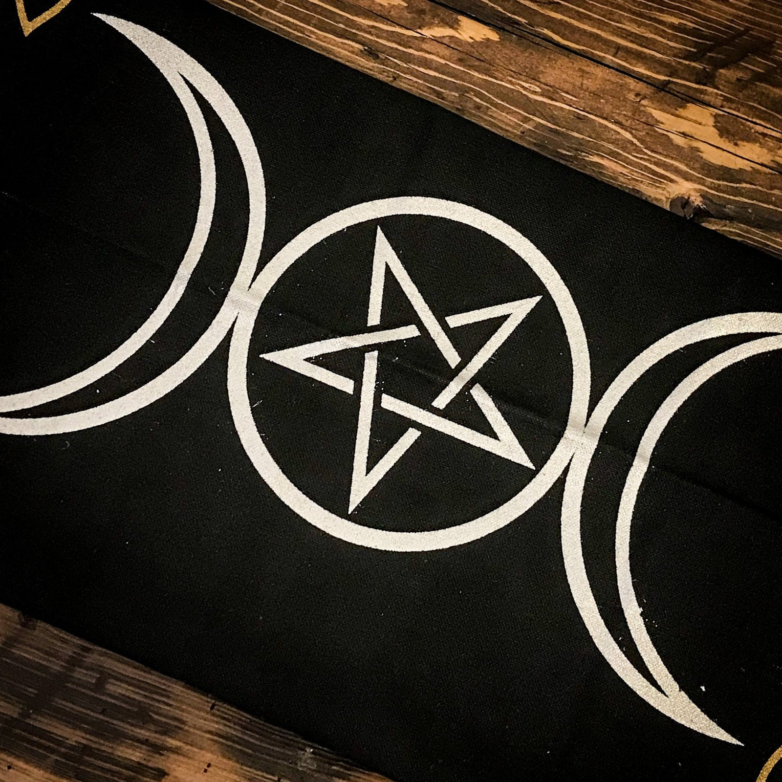 Triple Moon/Pentacle Tarot Cloth