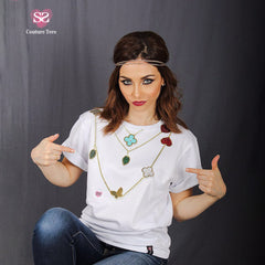 T-shirt - embossed with a necklace