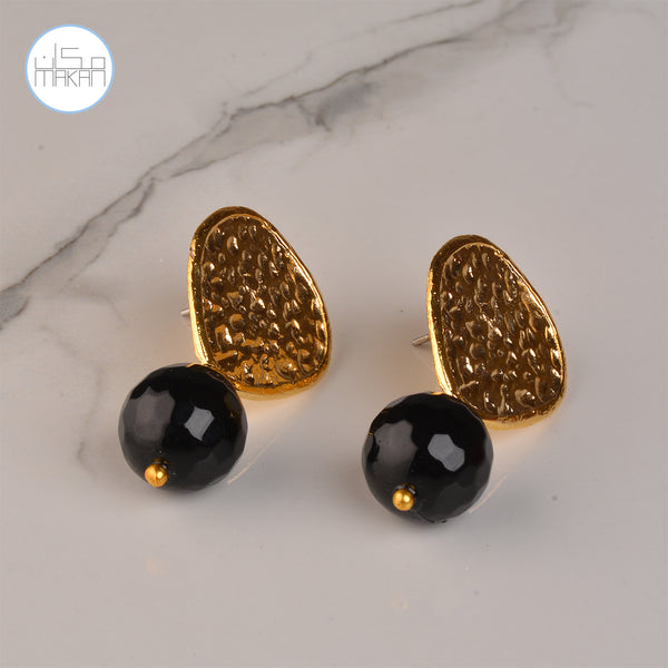 Earnings - Black Stones