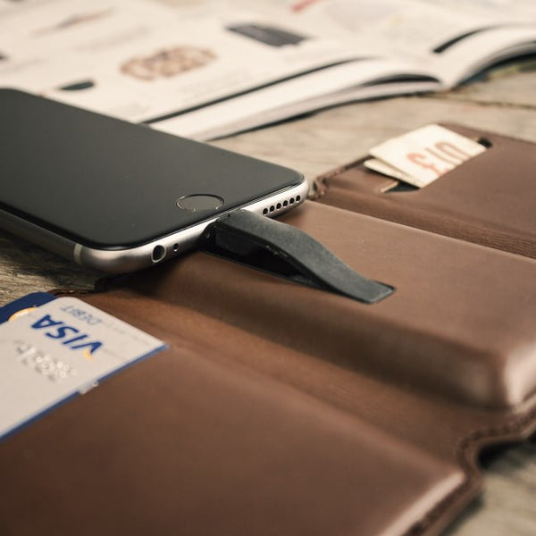 iPhone Power Wallet - Brown