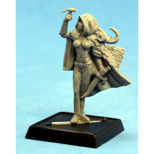 Reaper Pathfinder Miniatures: 60141 Lady Moray, Bard