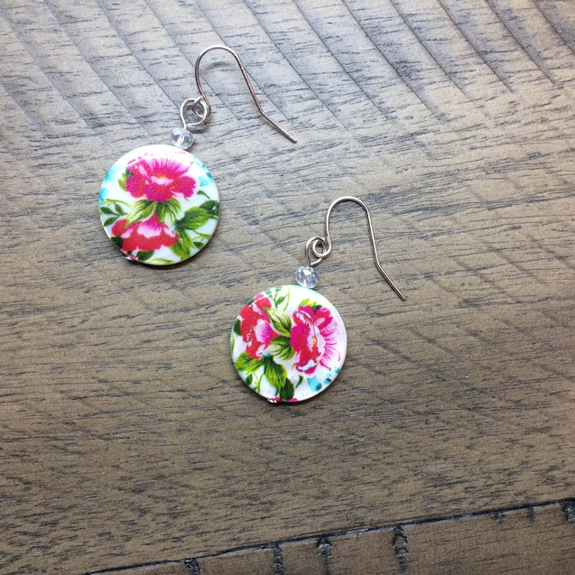 flower earrings, drop earrings made with shell