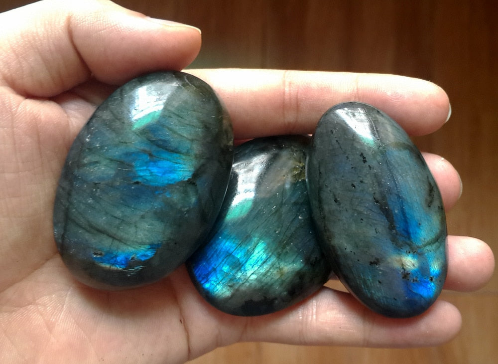 Strong Blue Flash Labradorite Palm Stone - Crystal Healing Gem Stone