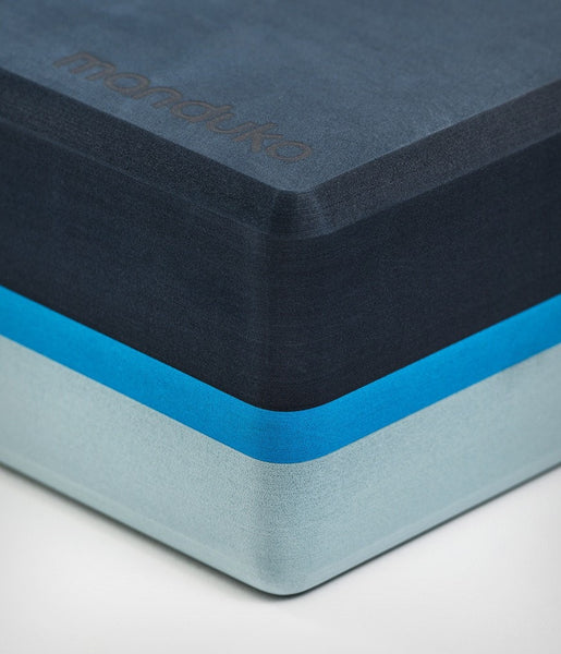 Manduka recycled foam yoga block - cueva azul