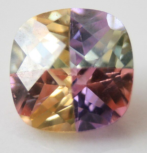 Cubic Zirconia colored stone