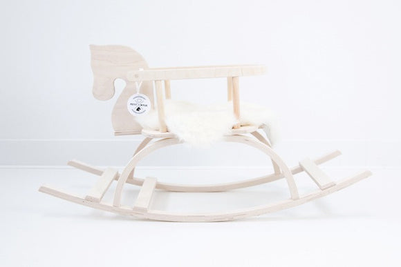 natural wooden rocking horse cavallo a dondolo in legno naturale