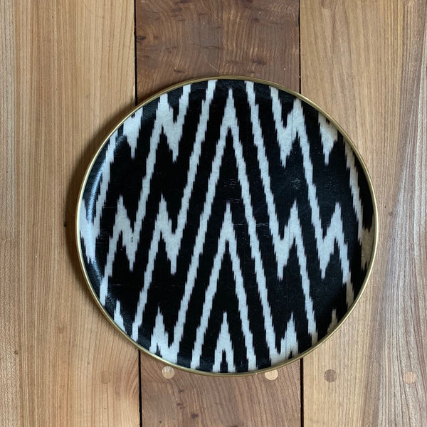Black & White zig zag silk ikat fibreglass 30cm tray
