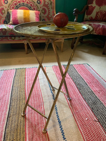 Foldable gold filigree side table