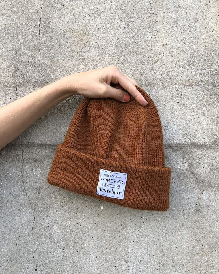 """Winter Is Coming - Knit Faster""-label"
