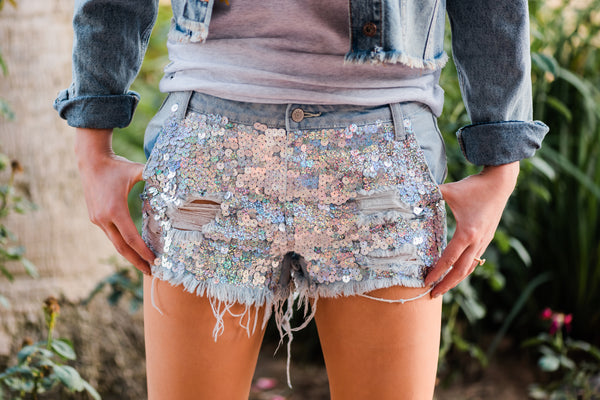 SHOWSTOPPER SILVER SEQUIN SHORTS
