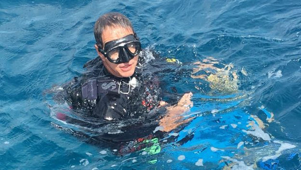 Dr Andrew Hoey Diving at Lizard Island - BBC