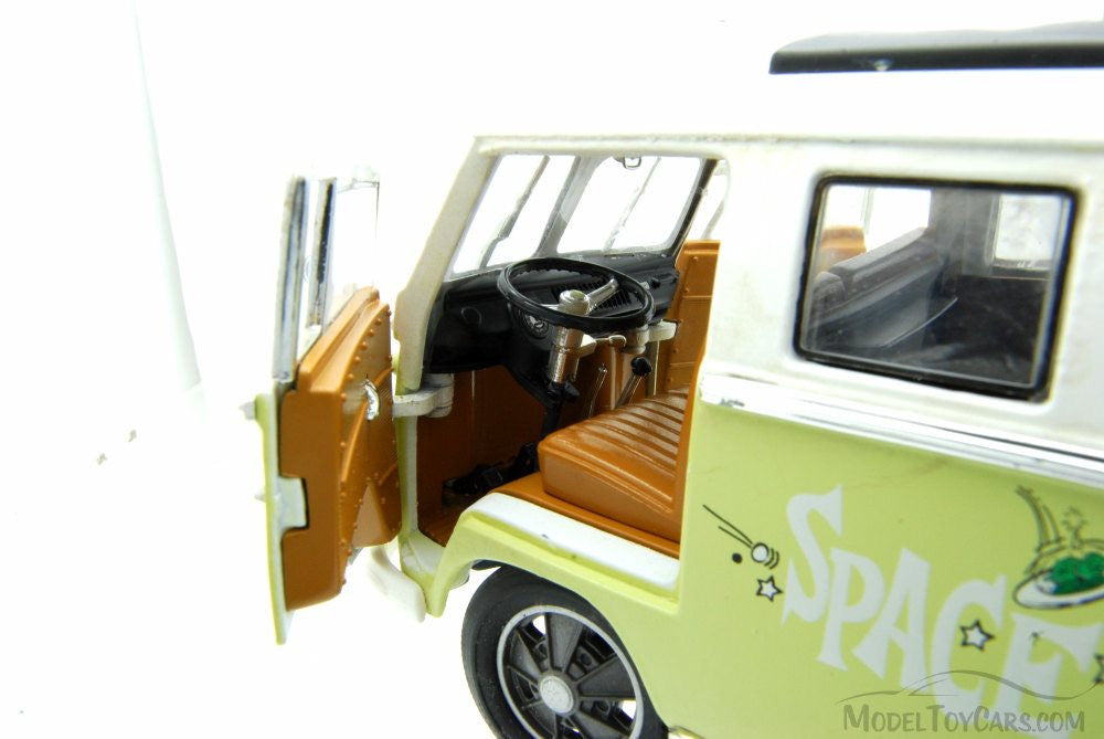 "GREENLIGHT 1:18 1962 VW MICROBUS ""SPACE AGE LODGE ""W/ WHITE TOP DIECAST MODEL CAR"