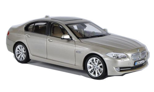 Welly 1:24 Scale 2010 Gold BMW (F10) 535i 5 Series Diecast Model Car