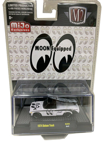 M2 Machines 1:64 1974 Datsun 620 Pick-Up Truck w/Surfboard Mooneyes 31500-MJS26