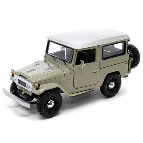 1:24 Scale Beige Toyota FJ40 Diecast Model Car by Motormax